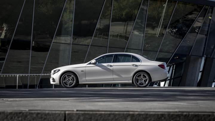 Mercedes-Benz, E-Serisi dizel hibrit ile karşımızda