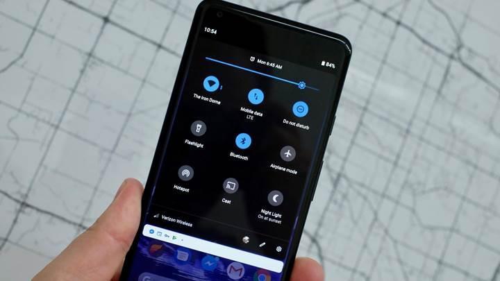 Google, karanlık modun pil tasarrufu sağladığını onayladı