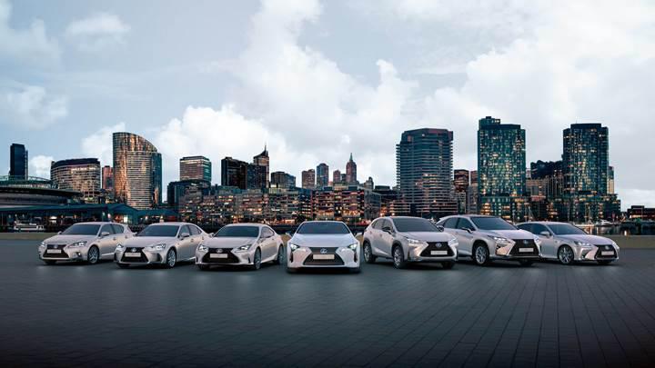 Lexus hibrit sedanları ile performans ve verimliliği buluşturuyor