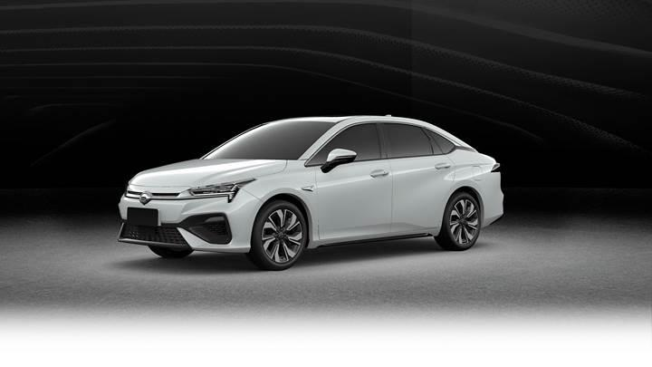 Çinli üreticiden Tesla Model 3'e rakip elektrikli sedan: Aion S