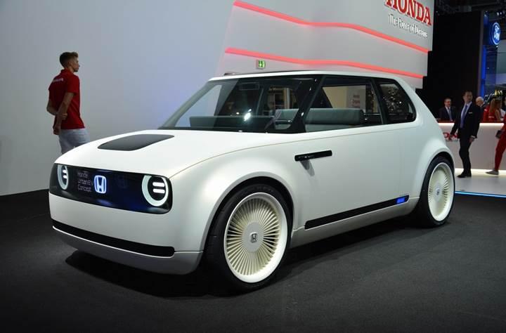Honda'nın küçük elektrikli otomobili Urban EV ilk kez görüntülendi