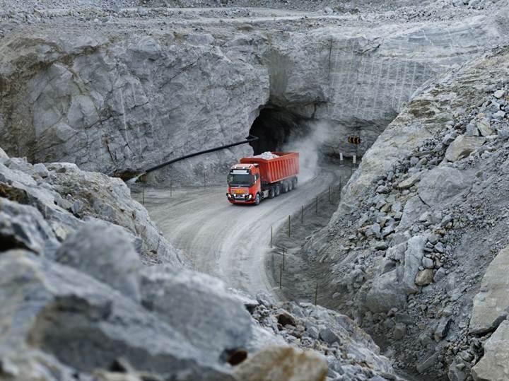 Volvo'nun otonom kamyonları kireç taşı taşıyacak