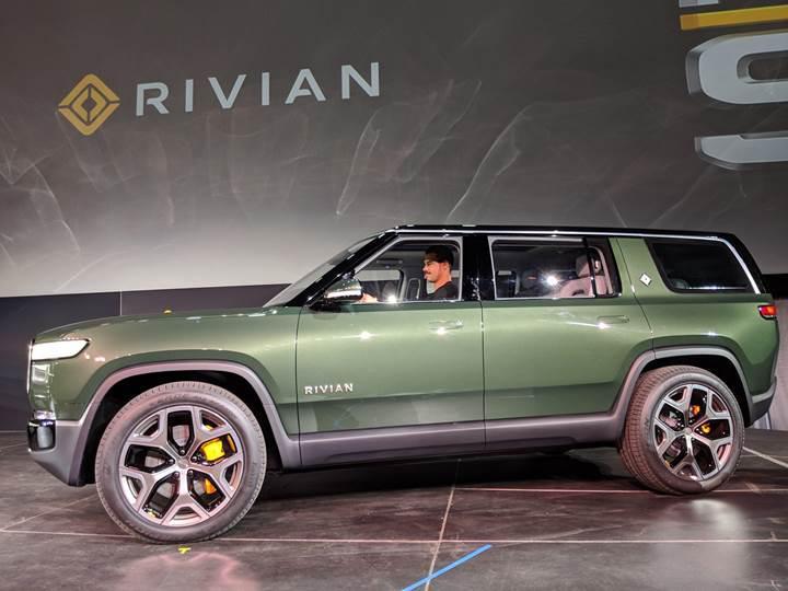 Rivian R1S elektrikli SUV, 700 beygir güç ve 659 km menziliyle görücüye çıktı