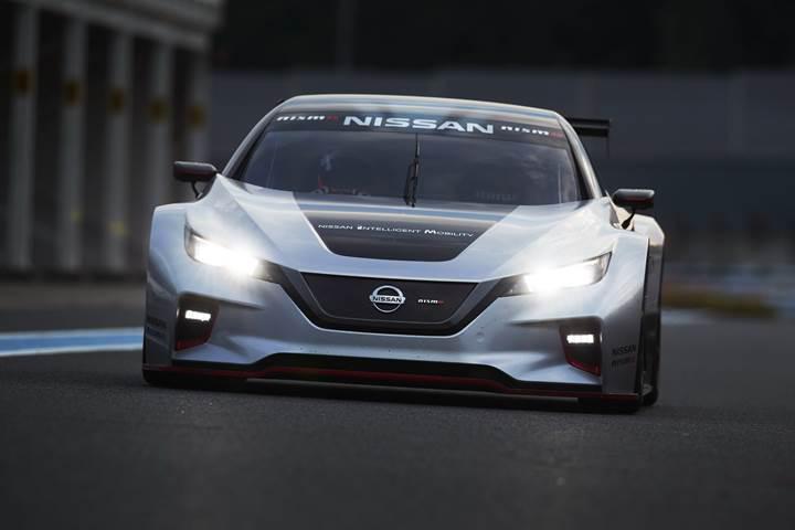 Nissan, yeni elektrikli yarış aracı Leaf Nismo RC'yi tanıttı