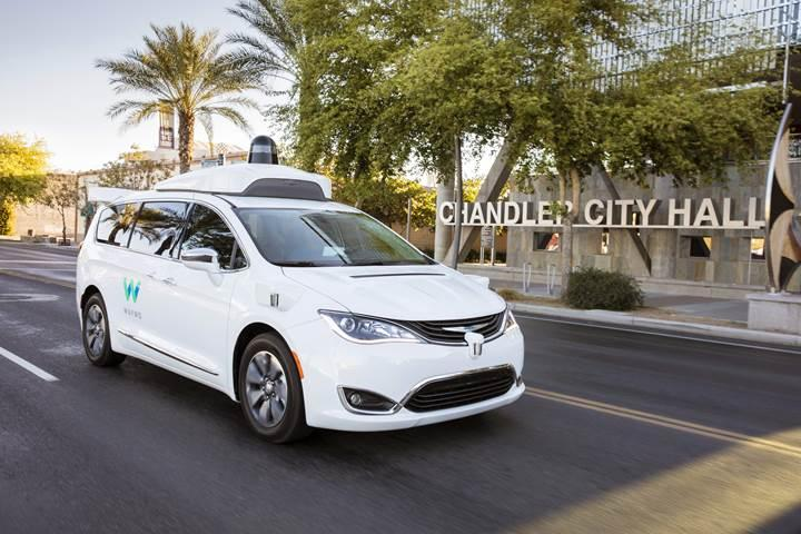 Google Waymo, otonom taksi hizmetine başlıyorr
