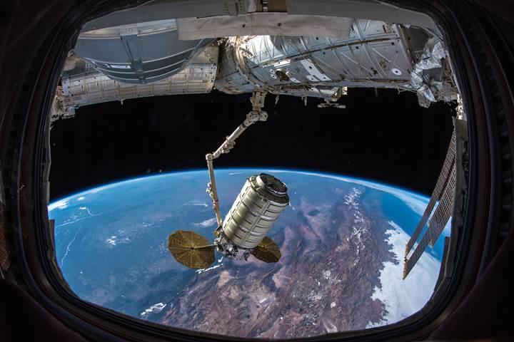 SpaceX, Uluslararası Uzay İstasyonu'na binlerce kiloluk kargo gönderiyor [Güncellendi]