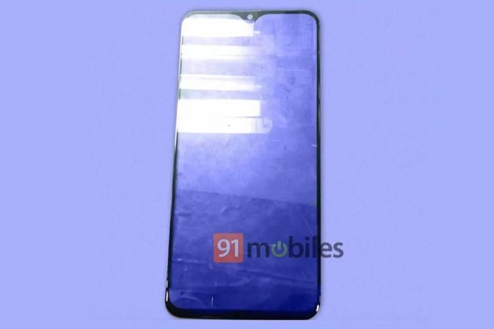 Samsung'un ilk çentikli akıllı telefonu sızdı