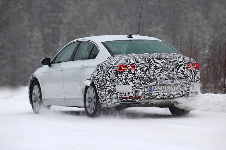 2019 Volkswagen Passat test sürüşünde görüntülendi