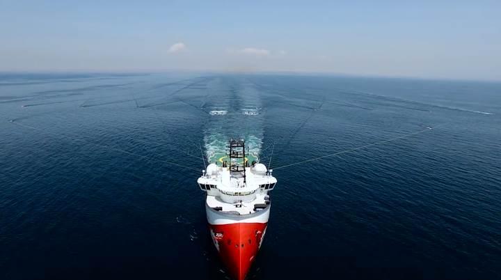 Türkiye'nin petrol ve doğal gaz arayan gemisi Barbaros için belgesel tadında video