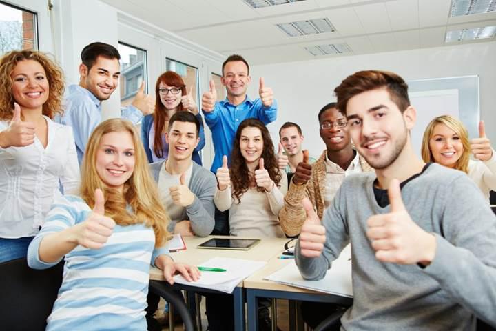 Geç saatlerde başlayan dersler akademik başarıyı artırıyor