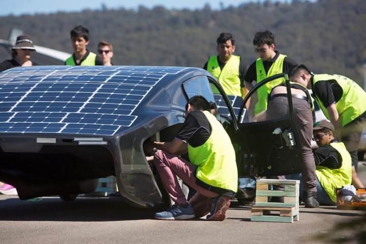 Güneş enerjili araçlarda yeni rekor: 50 dolarlık enerji ile 4,100 km