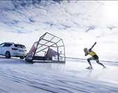 """Kjeld Nuis, 28 Mart 2018 tarihinde İsveç'te, """"hızı ararken"""" faaliyeti sırasında 93 km/h sürate ulaşıyor."""