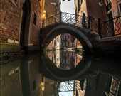 """Pavel Petkuns, Venedik İtalya'da """"aşkı kovalarken"""" etkinliğinde."""