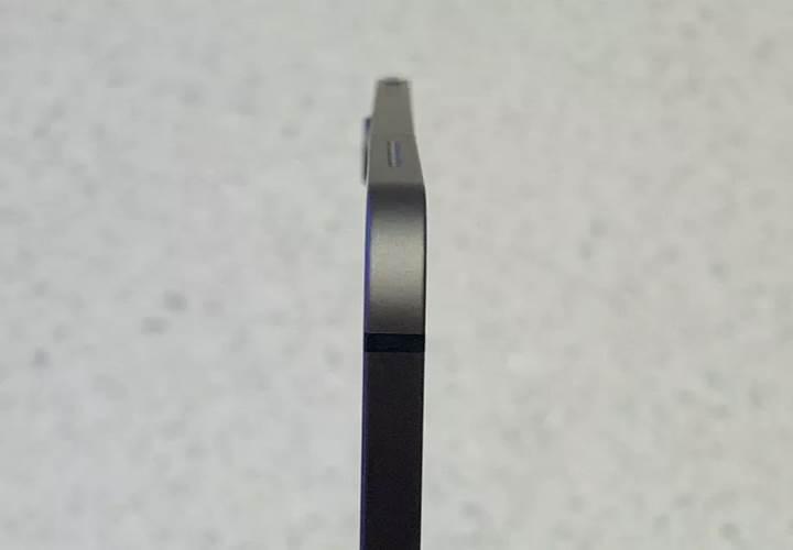 Apple, kutudan bükülmüş şekilde çıkan iPad Pro'ları kusurlu olarak görmüyor
