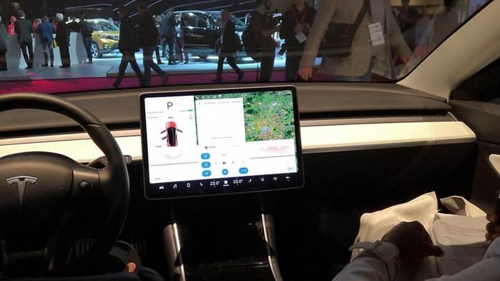 Tesla sürücüleri, spor otomobil sahiplerinden daha fazla radara yakalanıyorlar