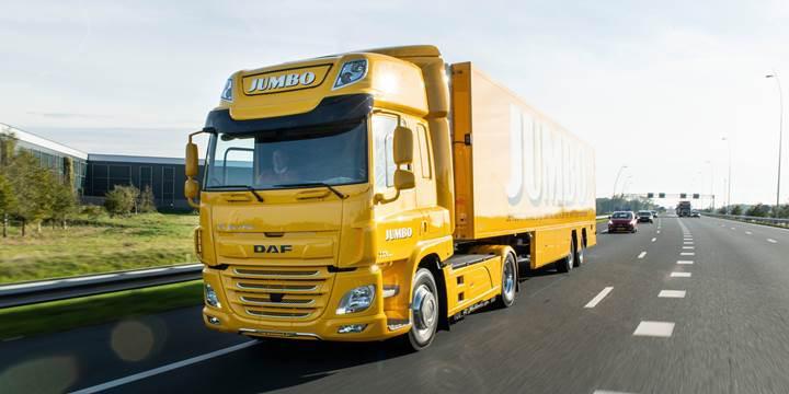 DAF'ın ilk elektrikli çekicisi süpermarket zinciri Jumbo'ya teslim edildi