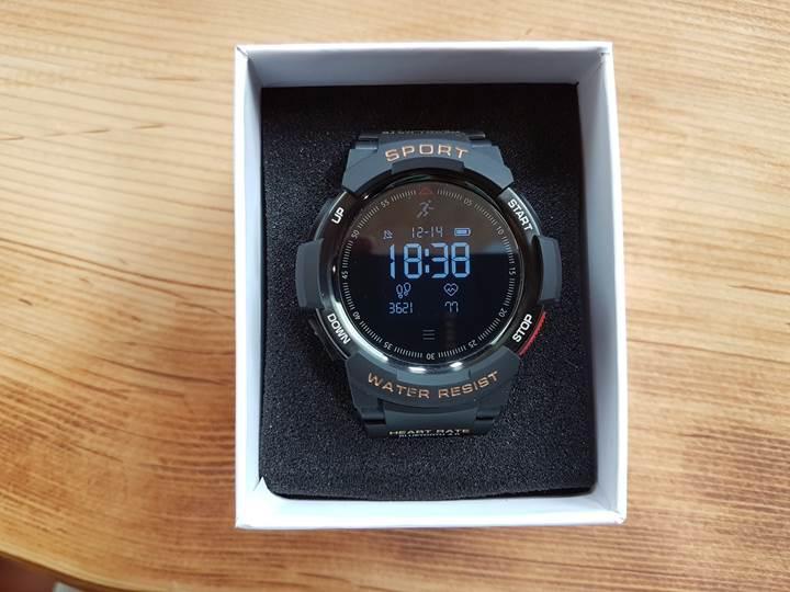 Çin'den satın alabileceğiniz uygun fiyatlı akıllı saat modellerini inceledik