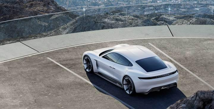Porsche, elektrikli spor arabası Taycan'ın fiyatını açıkladı
