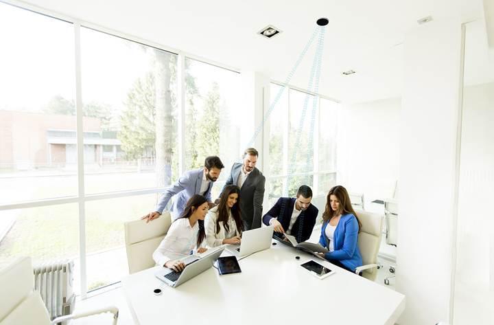 Işık tabanlı internet LiFiMax, 16 kişiye kadar bağlantı verebiliyor