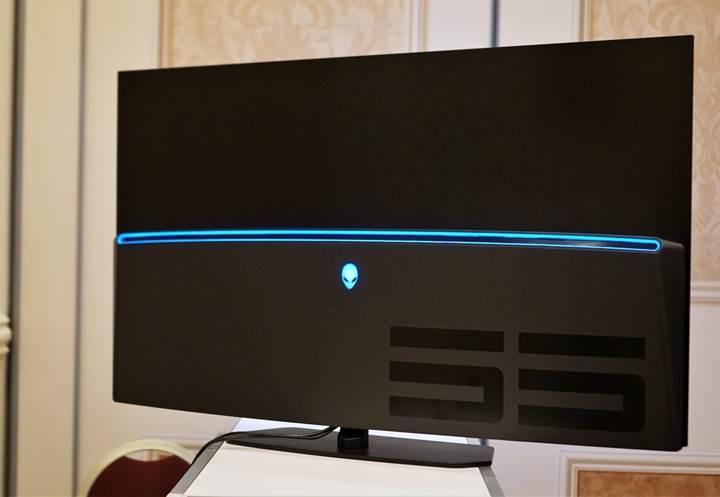 Dell Alienware'den 55 inçlik OLED oyuncu monitörü