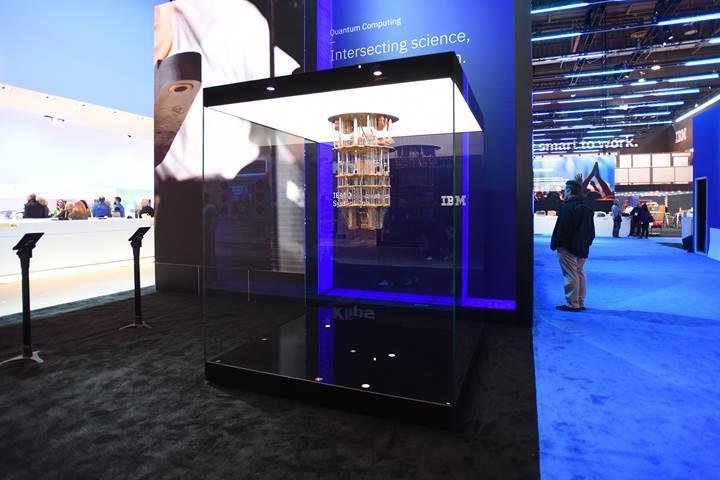 IBM'den tasarımıyla dikkat çeken 20-qubit'lik kuantum bilgisayar