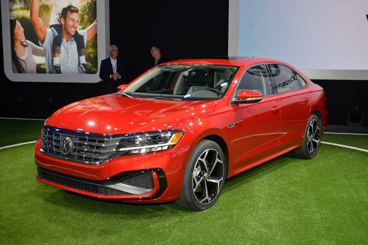 2019 Volkswagen Passat'ın ABD versiyonu görücüye çıktı: İşte tasarımı ve özellikleri