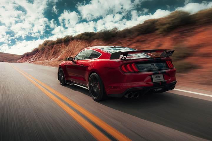 2019 Ford Shelby GT500 tanıtıldı: 'Gelmiş geçmiş en güçlü Mustang'