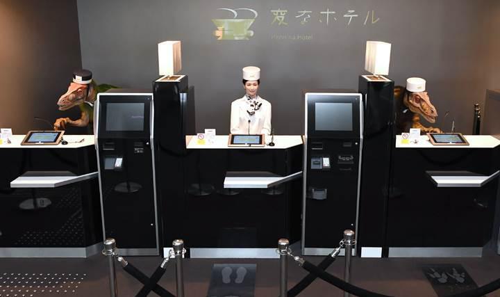 Japonya'da robotların işlettiği oteldeki robotların yarısı işten çıkarıldı