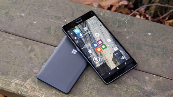 Eski bir Lumia 950 XL'da Windows 10 ARM sürümü çalıştırıldı