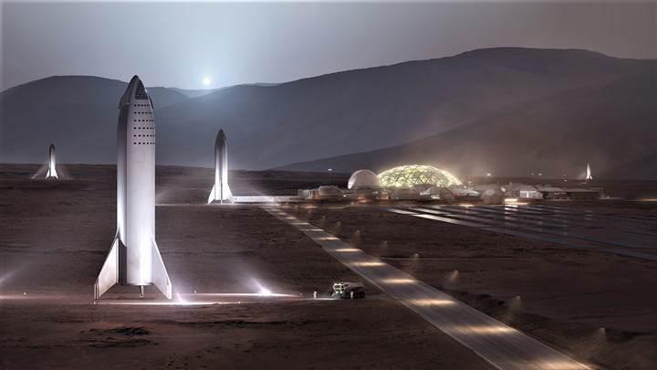 Elon Musk, insanlığı Mars'a götürecek roket motorunu tanıttı