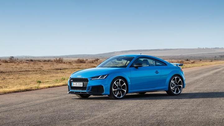 2020 Audi TT RS Coupe ve Roadster tanıtıldı