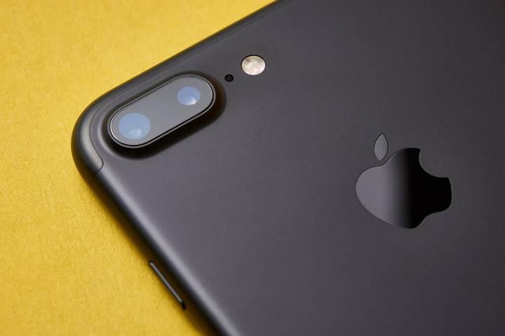 Apple, iPhone donanımını değiştirerek Almanya'daki satışlarına devam etmek istiyor