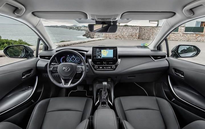 Türkiye'de de üretilen yeni Toyota Corolla'nın fiyatı açıklandı