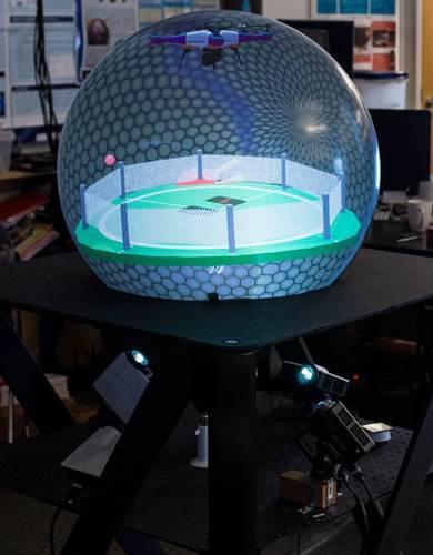 Kanadalı ekip, küre şeklinde ve dokunmatik bir sanal gerçeklik ekranı tanıttı