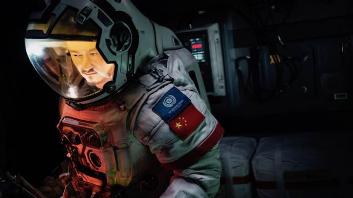 Çin sinemalarına damgasını vuran 'The Wandering Earth' Netflix'te yayınlanacak