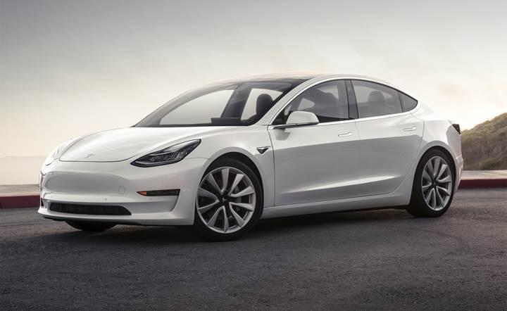 Tesla Model 3, geçtiğimiz yılın en çok satan elektrikli aracı oldu