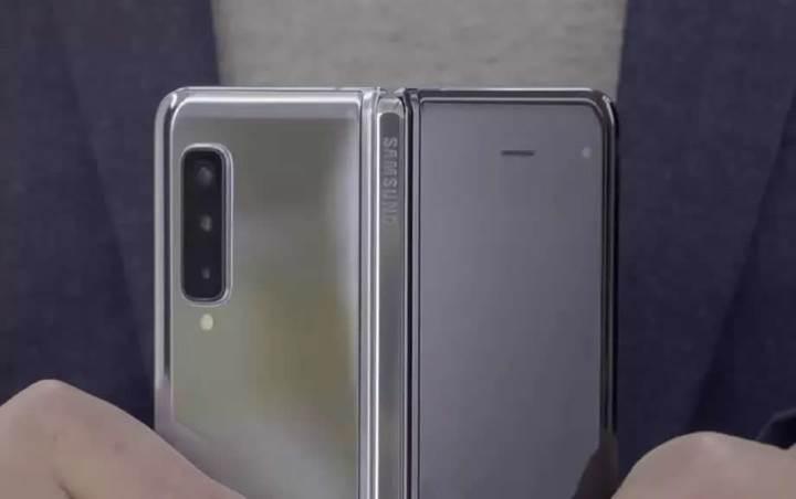 Samsung, Galaxy Fold'un ekranının neden içe katlandığını açıkladı
