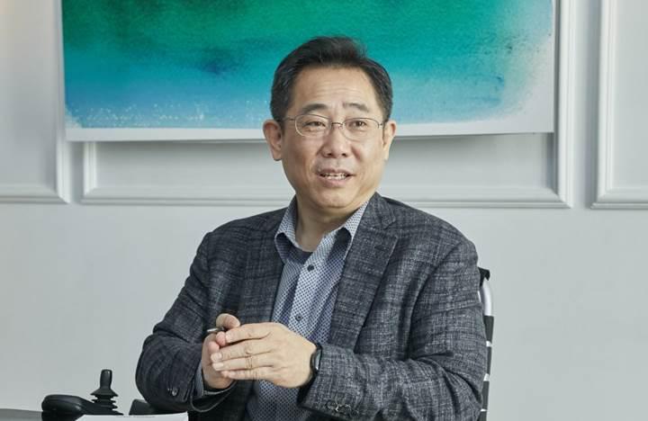 Samsung şimdi de yuvarlanabilir ve esnek ekranlı telefonları piyasaya sürmeyi planlıyor