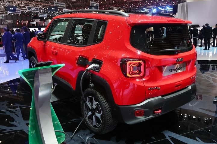 Jeep Renegade ve Compass modelleri de hibrit motora kavuşuyor