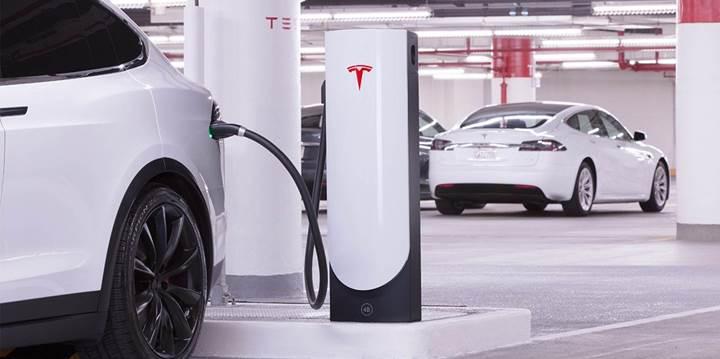 Tesla, 5 dakikada 120 km menzil sağlayan yeni şarj istasyonunu kullanıma sundu