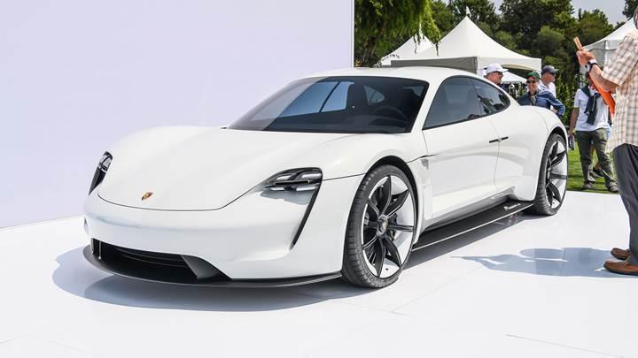 Porsche, Taycan için 20.000'den fazla sipariş aldığını açıkladı