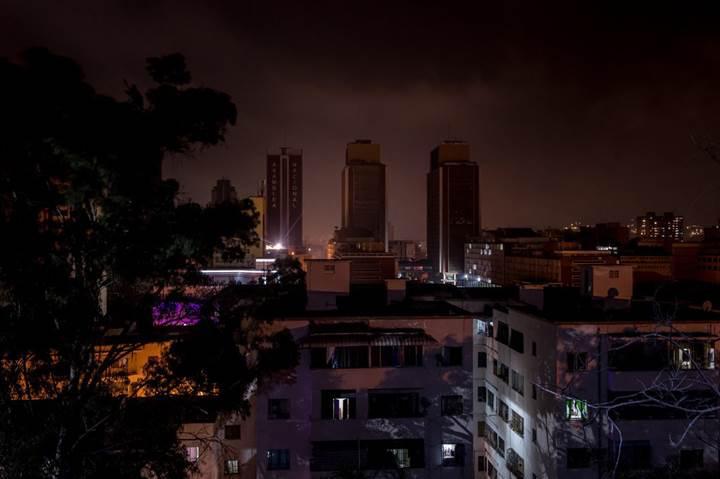 Başkan Maduro, Venezuela'da yaşanan elektrik kesintisi için ABD'yi siber saldırı yapmakla suçluyor
