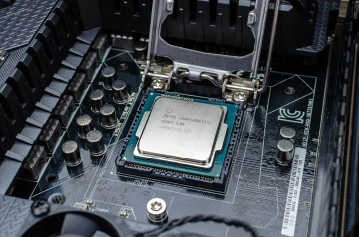 Intel'in 10 çekirdekli Comet Lake işlemcileri bir yamada ortaya çıktı