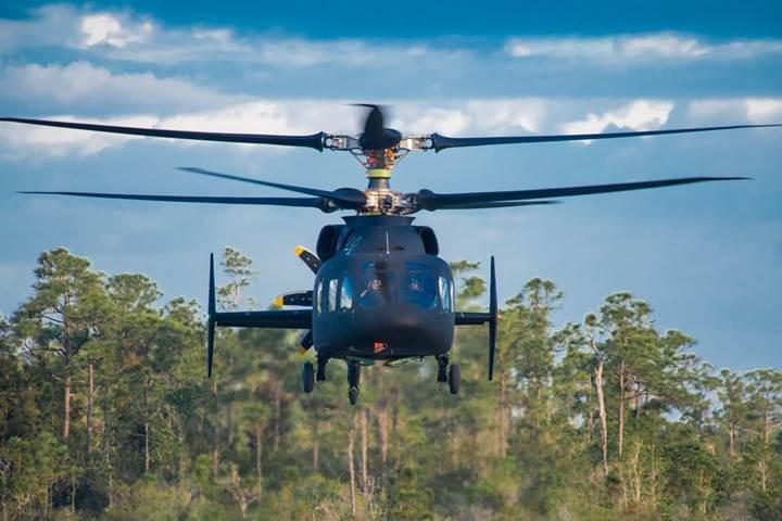 Sikorsky ve Boeing'in yüksek hızlı, çift pervaneli helikopteri ilk kez uçtu