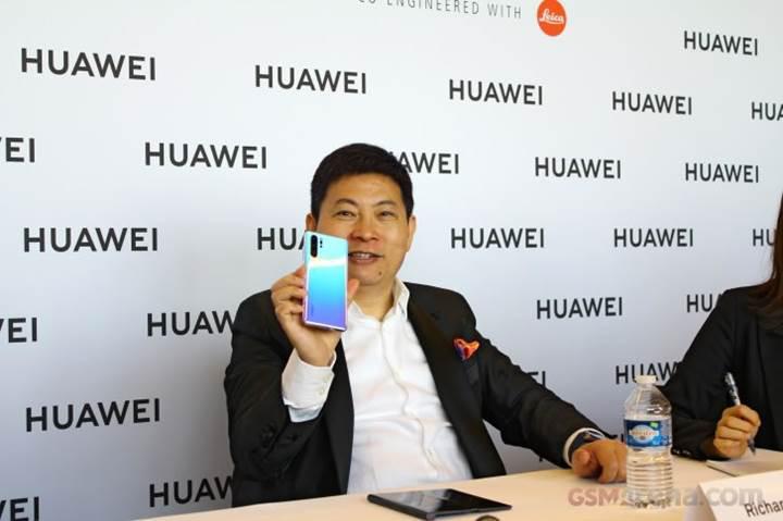 Huawei açıkladı: İki yıl içinde amiral gemisi telefonlarımızın yarısı katlanabilir olacak