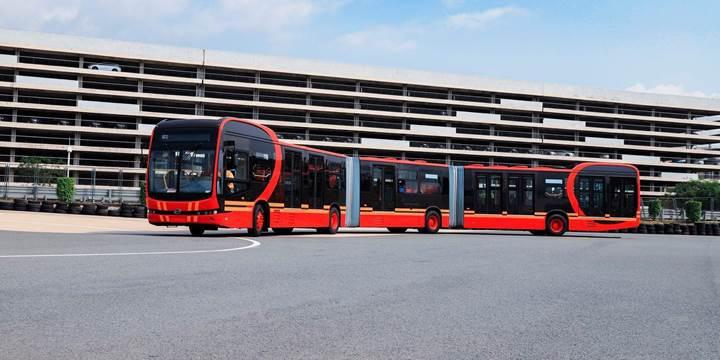 Dünyanın en uzun elektrikli otobüsü tanıtıldı! Kolombiya'daki Metrobüs hattında kullanılacak