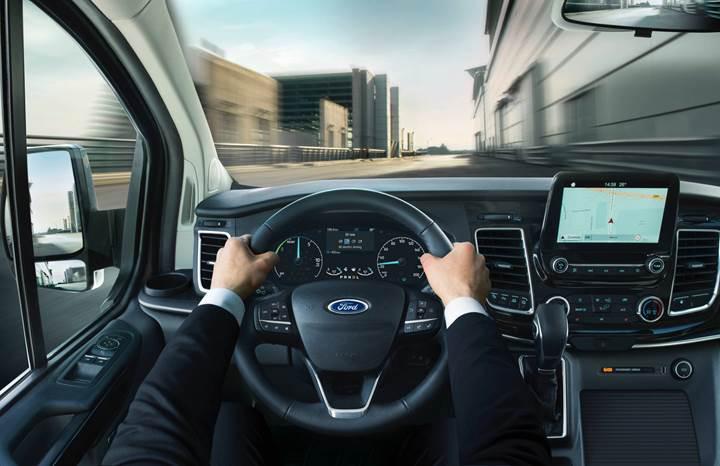 2019 Ford Tourneo Custom'ın hibrit versiyonu tanıtıldı