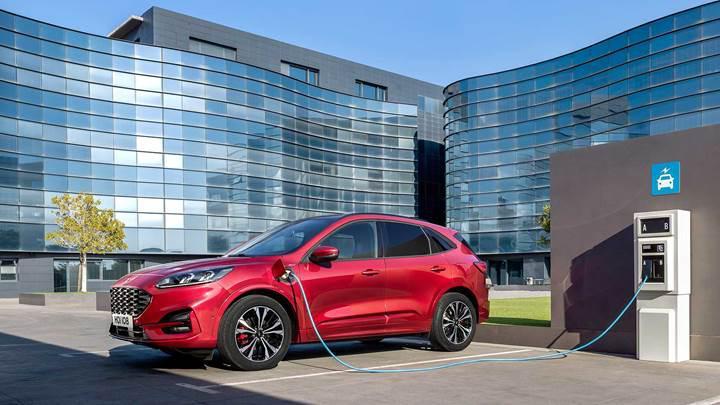 2019 Ford Kuga resmen tanıtıldı: Daha hafif ve daha sportif