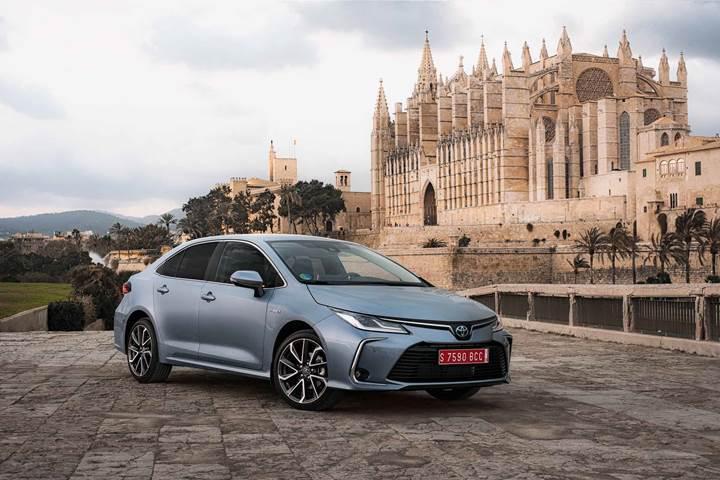 Toyota, hibrit teknolojisini rakipleriyle paylaşma kararı aldı
