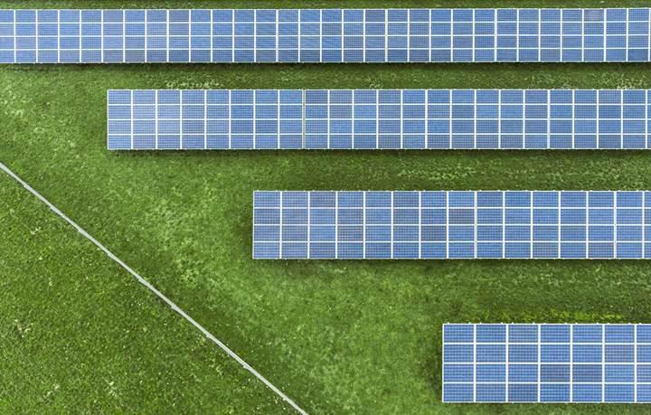 Yenilenebilir enerji üretimi artarken, fosil yakıtlara olan talep bir türlü azalmıyor